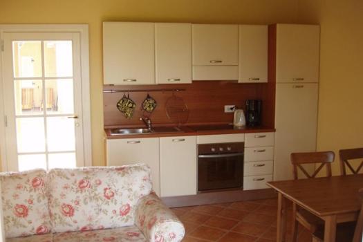 realmente-realestate-rr034-appartamento-villaggio-golf-resort-manerba-del-garda-lombardia-italia-3