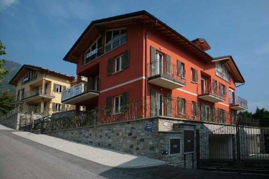 realmente-realestate-pe003-appartement-i-tulipani-tremezzina-lombardia-italia-1