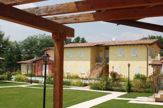 realmente-realestate-rr035-appartamento-golf-resort-manerba-del-garda-lombardia-italia-2