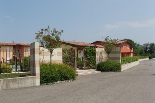realmente-realestate-rr035-appartamento-golf-resort-manerba-del-garda-lombardia-italia-3