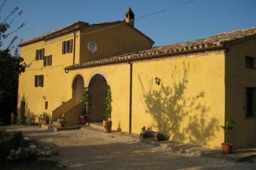realmente-realestate-rr115-villa-sarnano-le-marche-italia-2