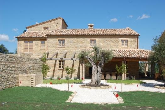 realmente-realestate-vr252-villa-monte-san-martino-le-marche-italia-2