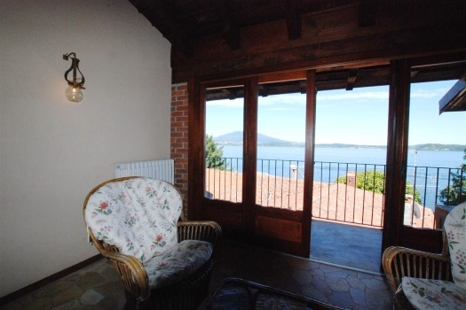 realmente-realestate-fpt536-vrijstaand-huis-belgirate-piemonte-italia-8